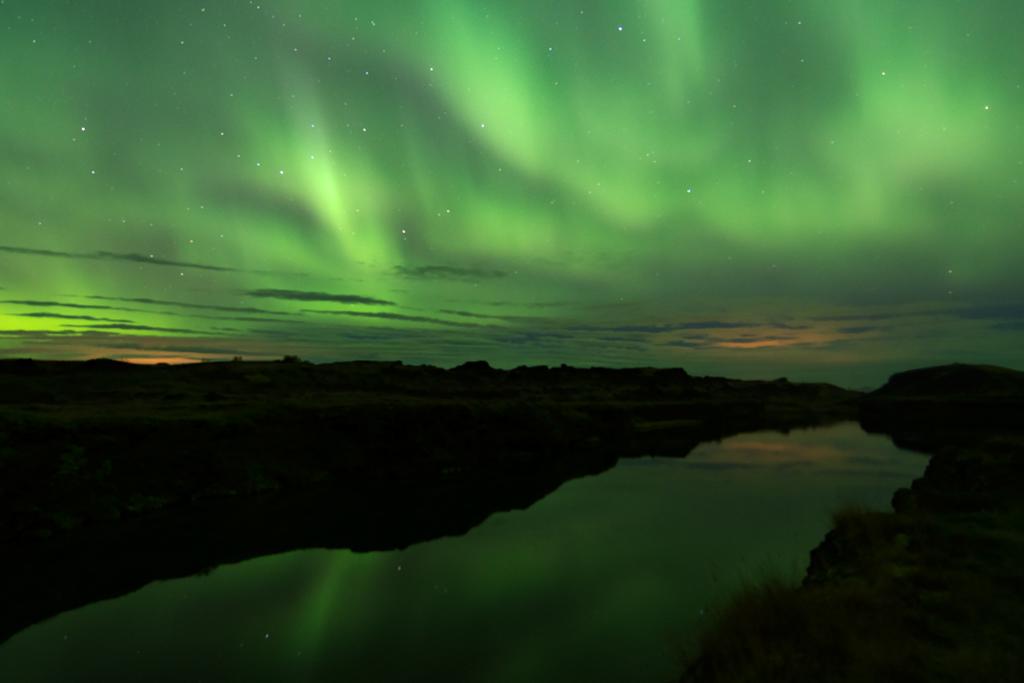 Noorderlicht - Northern Lights - Nordlicht - Aurora borealis  - weerspiegeld