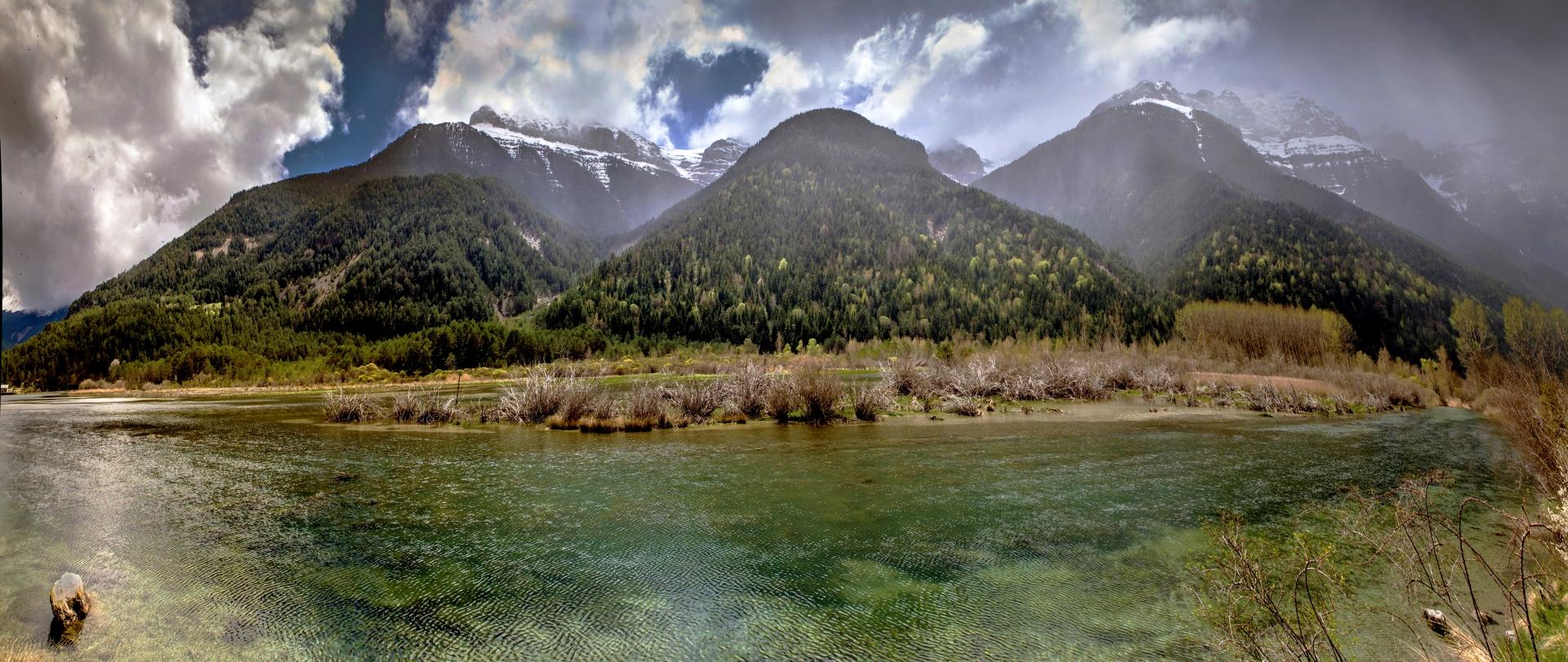 Panorama Op weg naar de Valle de Pineta, Spaanse Pyreneeën 2_1920x811